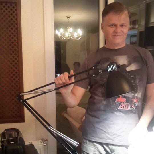 """Вадим рахманов - отзыв о настольной лампе luxo l-1– """"Мне было важно, чтобы светильник вращался на 360°, имел длинный кронштейн, был максимально гибким и фиксировал бы любое положение"""""""